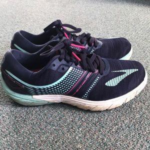 Brooks pure cadence running shoe